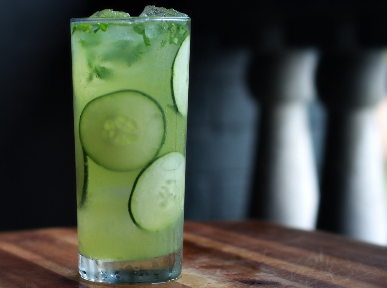 cucumber-mint-wine-cocktail