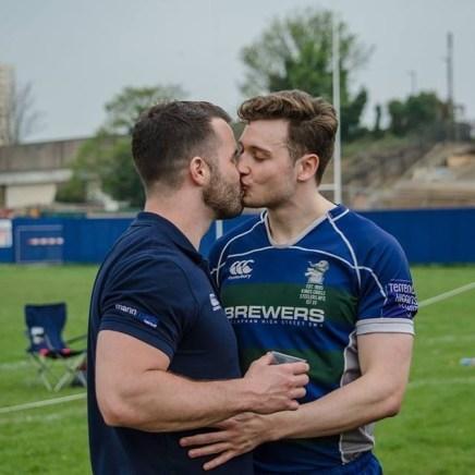 See London Rugby Player Simon Dunn Smooch Boyfriend Felix Maisey-Curtis After aWin